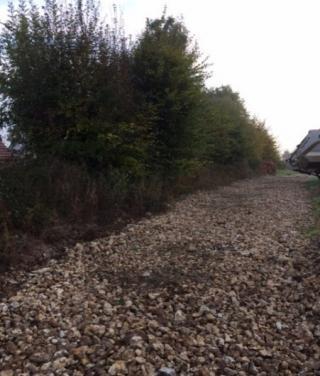 Remise en état d'un terrain avec dessouchage et évacuation des déchets